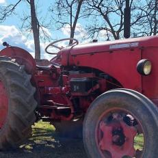 Vanha traktori